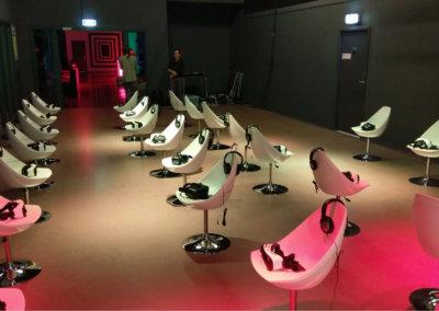Voor uw bedrijfsfeest bijvoorbeeld een VR cinema opstellen. Een van de vele mogelijkheden bij 24/7EVENTS.NL