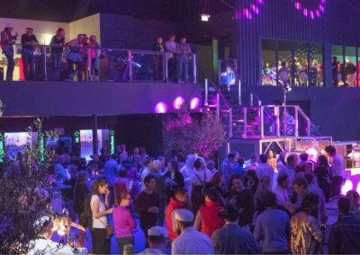 700 gasten genieten van het bedrijfsfeest met het thema: Back to the Future