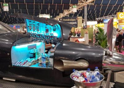 Cocktailbar in het vliegtuig tijdens een evenement