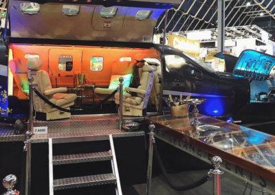 Een foto van The Xplane. Dat is een vliegtuig met een VIP bar erin.