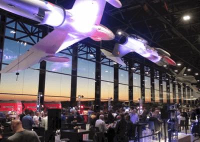 Evenementenlocatie Nationaal Militair Museum - Een beurs organiseren in de Dogfight ruimte met straaljagers boven je hoofd