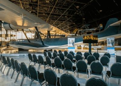 Evenementenlocatie Nationaal Militair Museum - Break out sessie bij een watervliegtuig