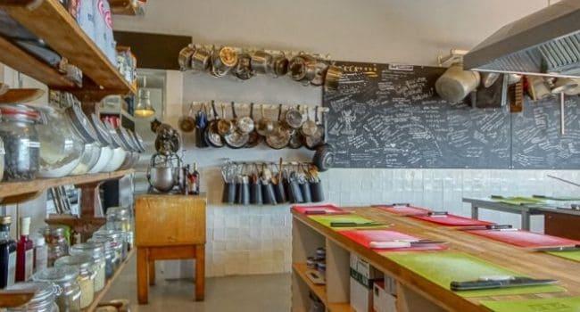 Bedrijfsuitje in Utrecht - Kookworkshop in professionele keuken