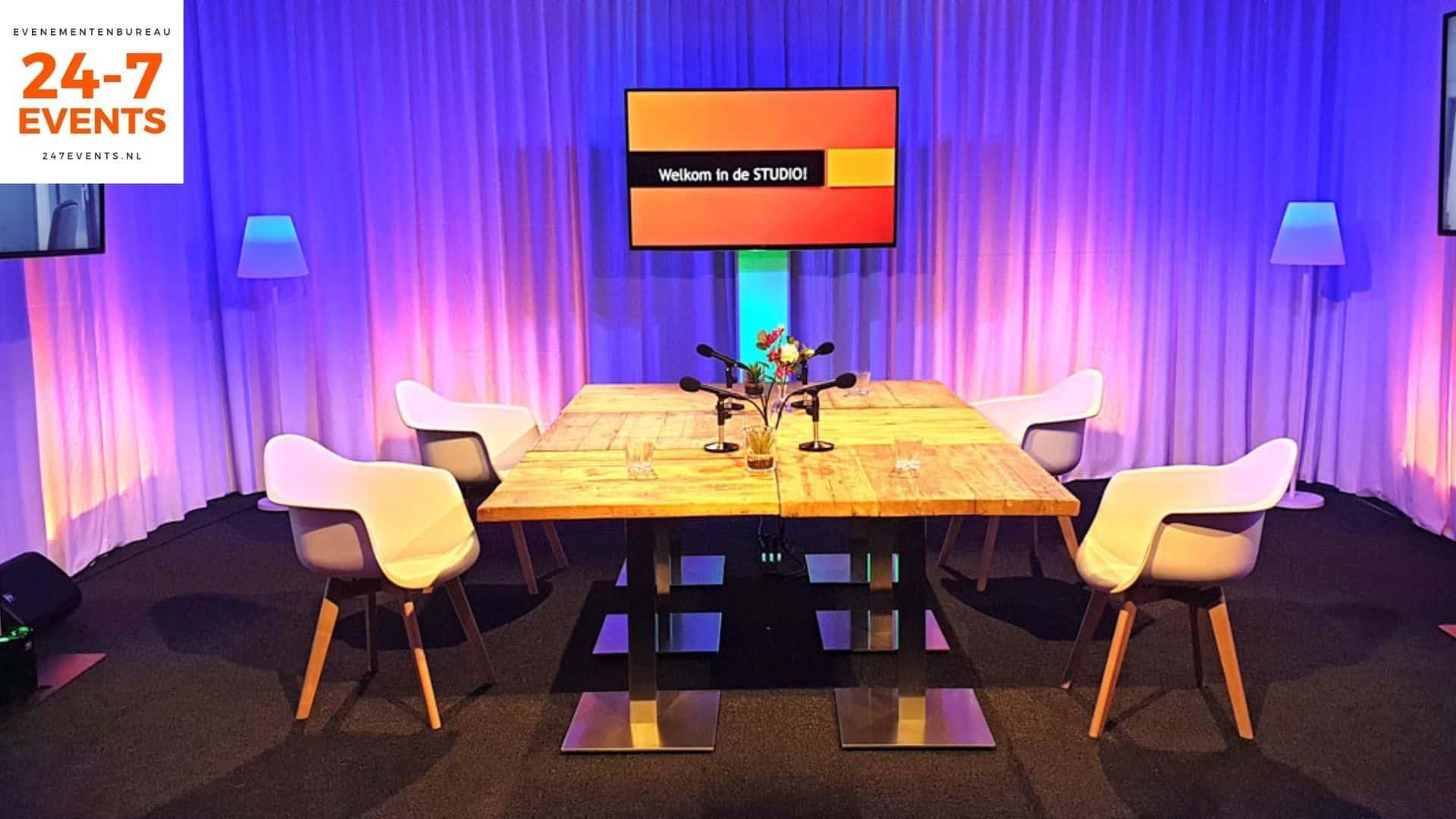 Livestream studio in Utrecht met een talkshow opstelling